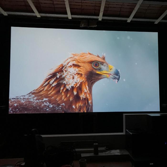 Image projetée sur mur de projection très performant peint utilisant la peinture projecteur smart pro