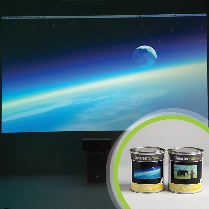 image de la terre projetee sur la peinture projecteur contrast avec la boite