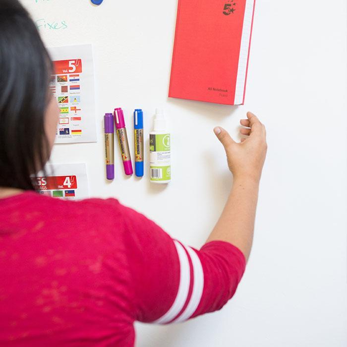 platre magnetique smart utilisé pour accrocher des objets lourds sur un mur
